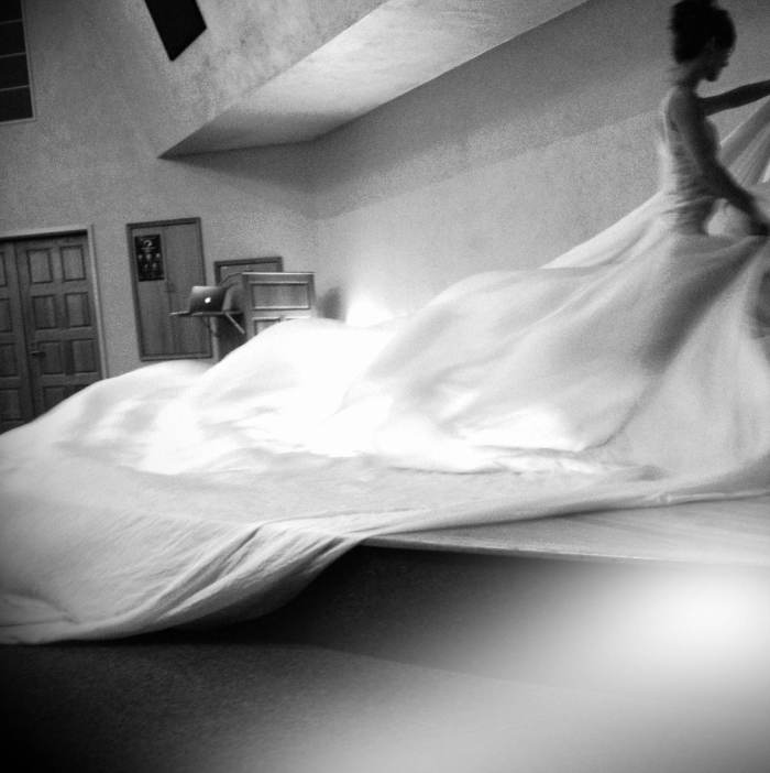 contemporary dance with silk, silk waves